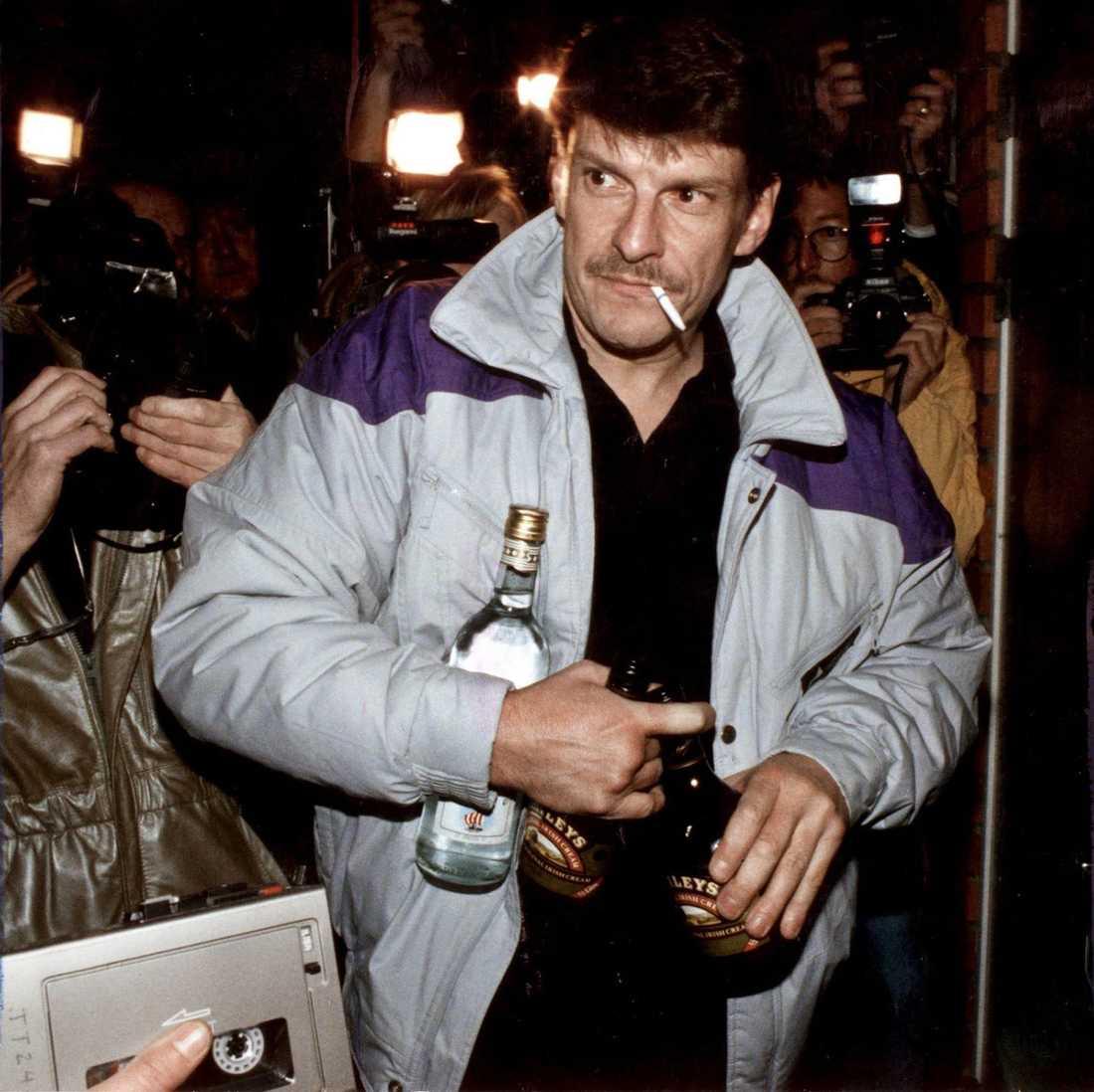 Christer Pettersson dömdes i juni 1989 för mordet på statsminister Olof Palme – men friades i hovrätten och släpptes i oktober samma år. Pettersson friades dock aldrig helt från misstankarna och blev kvar i rampljuset under resten av sitt liv.