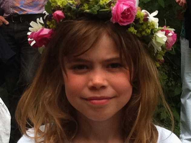 Firar i Växbo kvarn Anna Norström, 7, är midsommarfin i Växbo kvarn, Hälsingland.