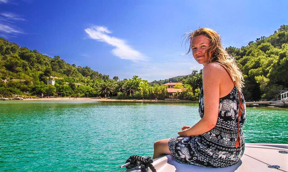 Victoria Daae tycker att det är vackert i Stoncica-viken.