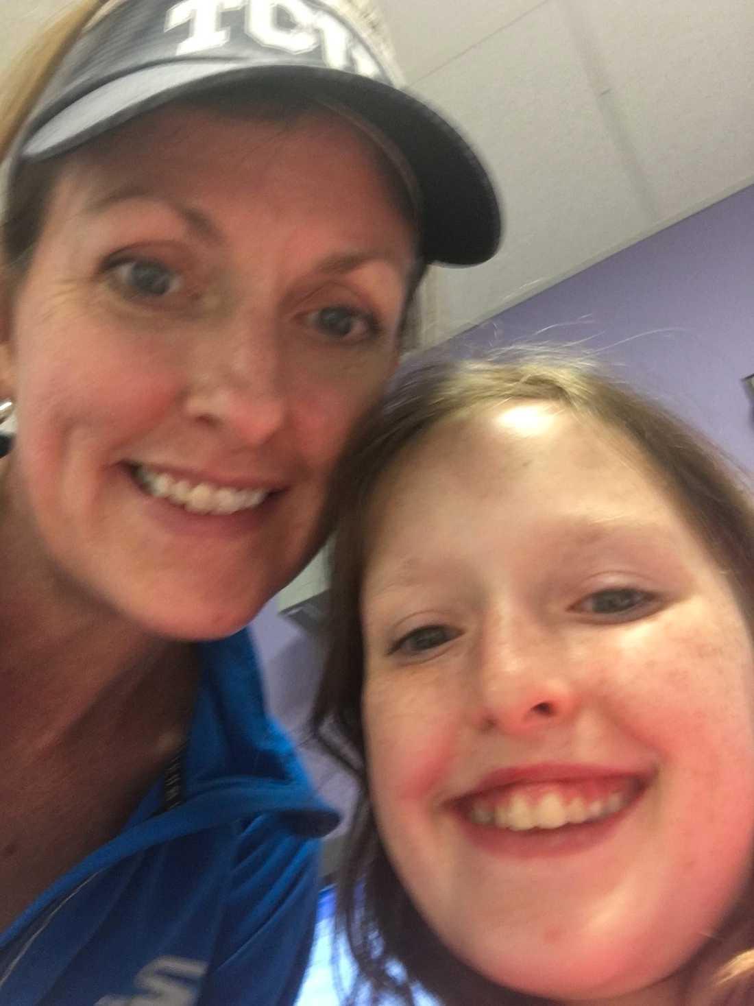 Kelly med sin dotter Britton Joniec, 10 år.