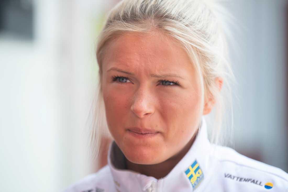 Frida Karlsson väljer att fortsätta samarbetet med Petter Northugs glasögonmärke. Arkivbild.