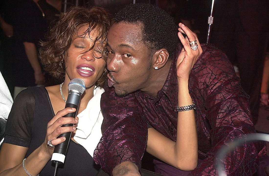 Whitney och Bobby Brown var gifta mellan 1992 och 2006. Tilllsammans kunde de stänga in sig i veckor – bara för att knarka.