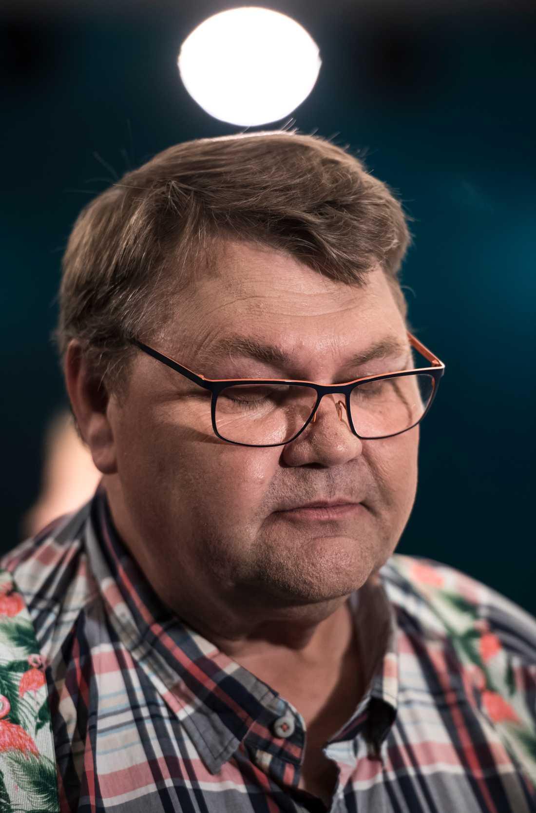 Peter Lundgren (SD) kommer inte längre få samarbeta med Dansk Folkeparti och Sannfinländarna på Europanivå.
