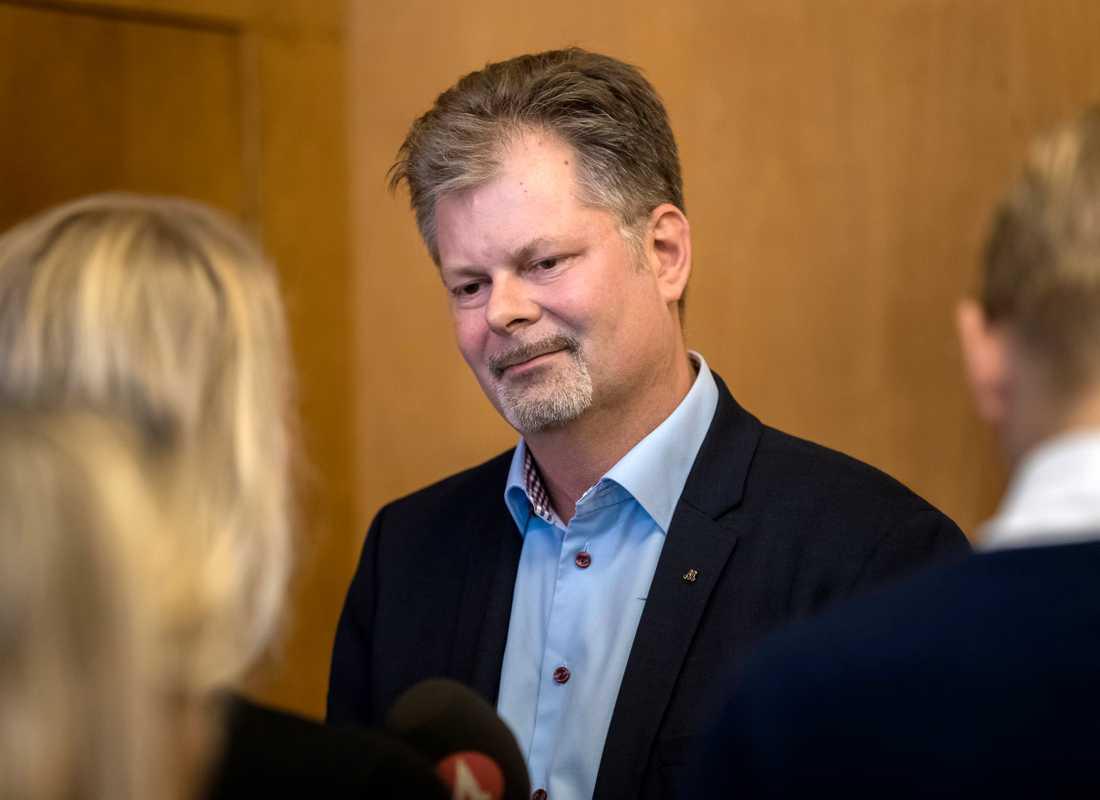 """""""Jag känner väl till kritiken. Och jag instämmer i detta. Göteborg är en stad i stark tillväxt och vi har en utmaning att bygga bostäder och bygga ut den offentliga servicen i den takt människor flyttar in"""", säger Göteborgs kommunstyrelses ordförande Axel Josefson (M). Arkivbild."""