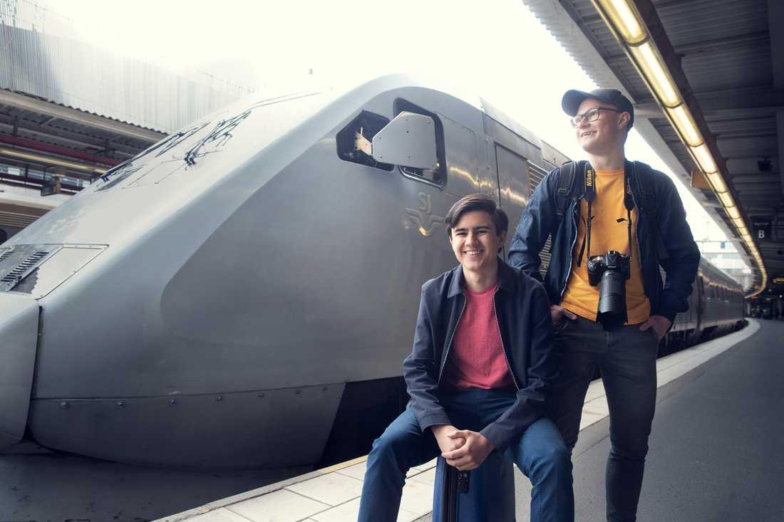 William Nilsson och Wilhelm Karlsson spenderar en månad med att tågluffa i Sverige.