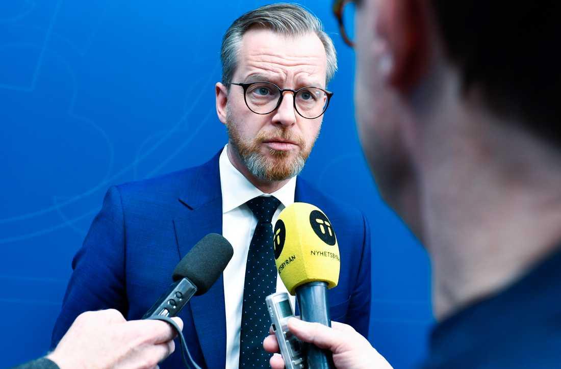 Inrikesminister Mikael Damberg säger att det är viktigt med en översyn av lagstiftningen för ordningsvakter. Arkivbild.