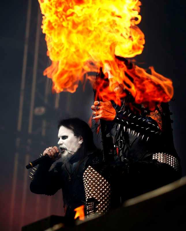 Dark Funeral eldar upp Bråvallafestivalen 2017.