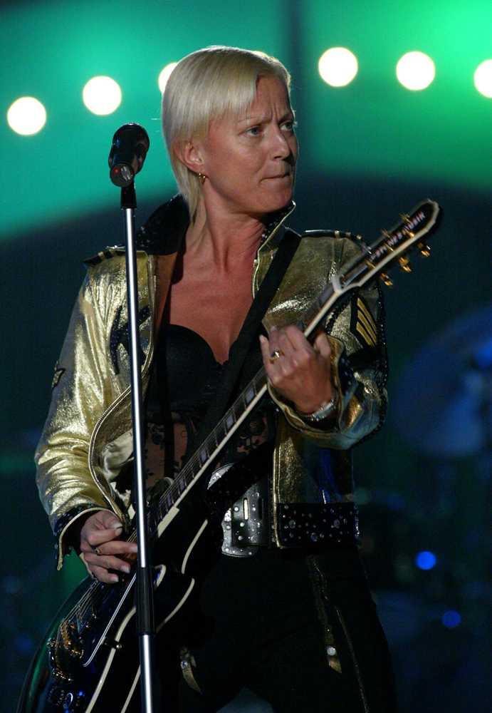 Också från Melodifestivalen 2002.