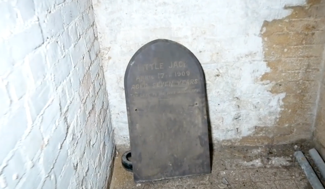 Den mystiska graven.
