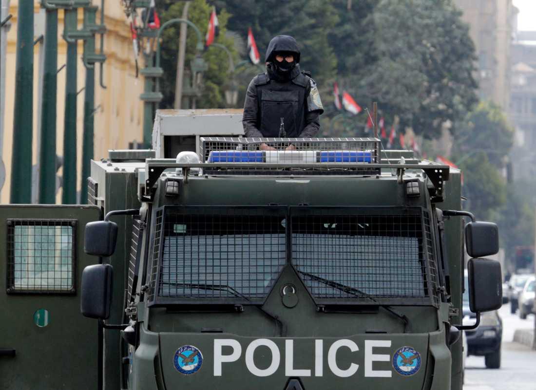 Egyptisk polis har gripit en misstänkt efter uppgifter om mängder av sexual- och utpressningsbrott som tiotals kvinnor och flickor utsatts för av samma man i flera år. Arkivbild.