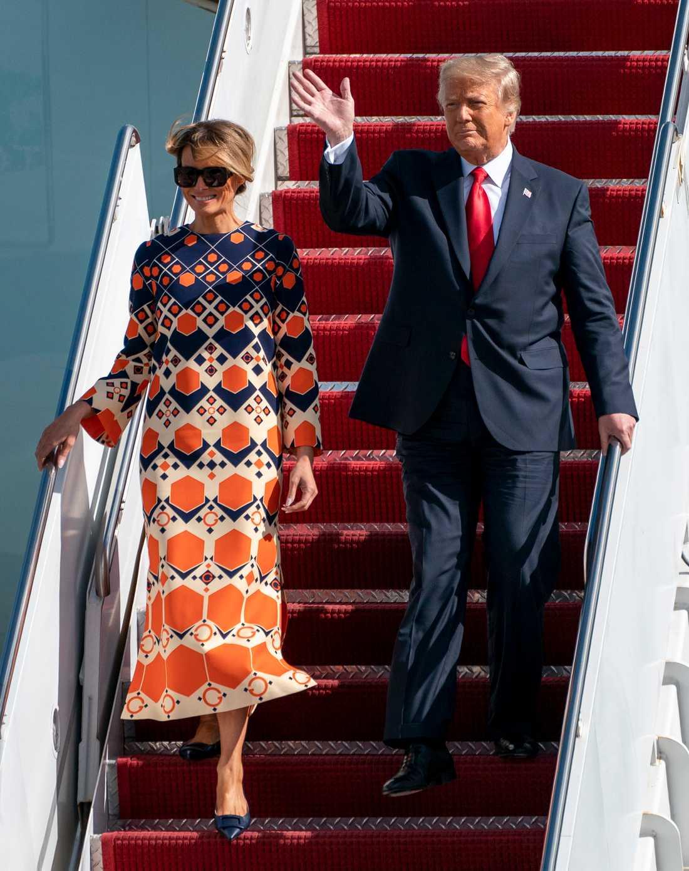 USA:s expresident Donald Trump och hustun Melania efter att de lämnat Vita huset för Palm Beach i Florida.
