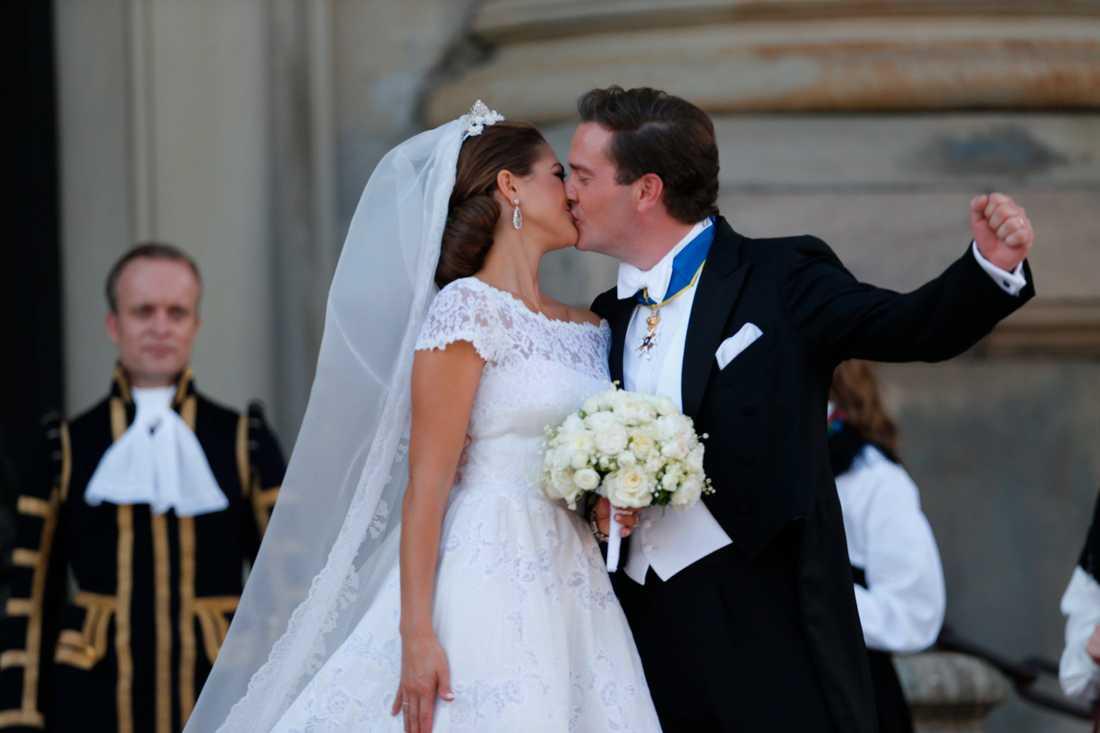 Prinsessan Madeleine och Christopher O'neill gifter sig i slottskyrkan i Stockholm 2013.