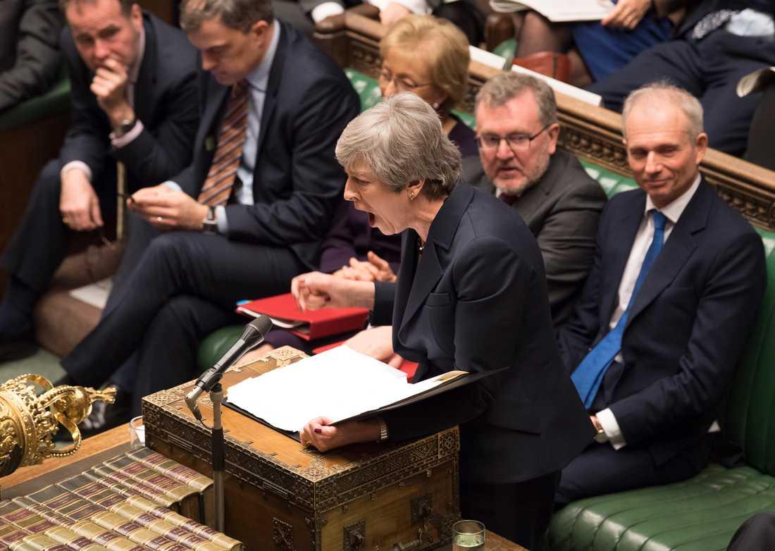 Premiärminister Theresa May i parlamentet.