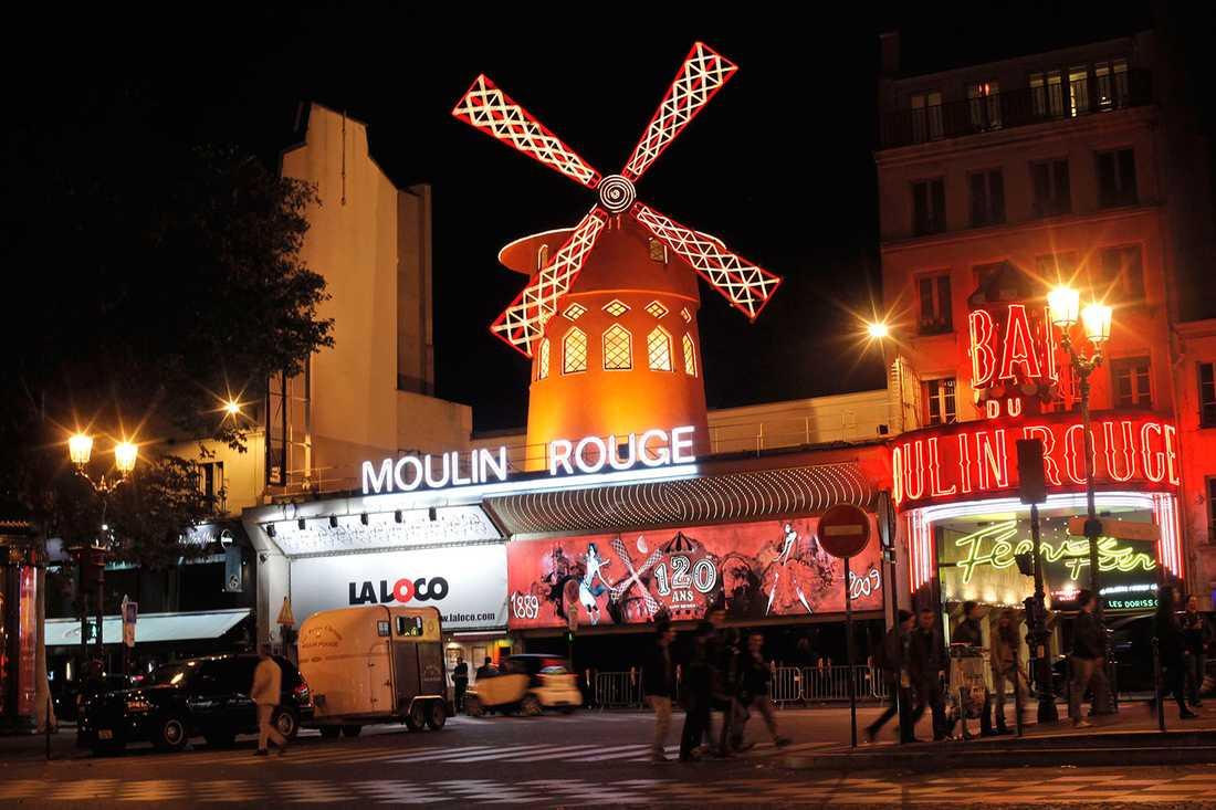 4. MOULIN ROUGE, PARIS