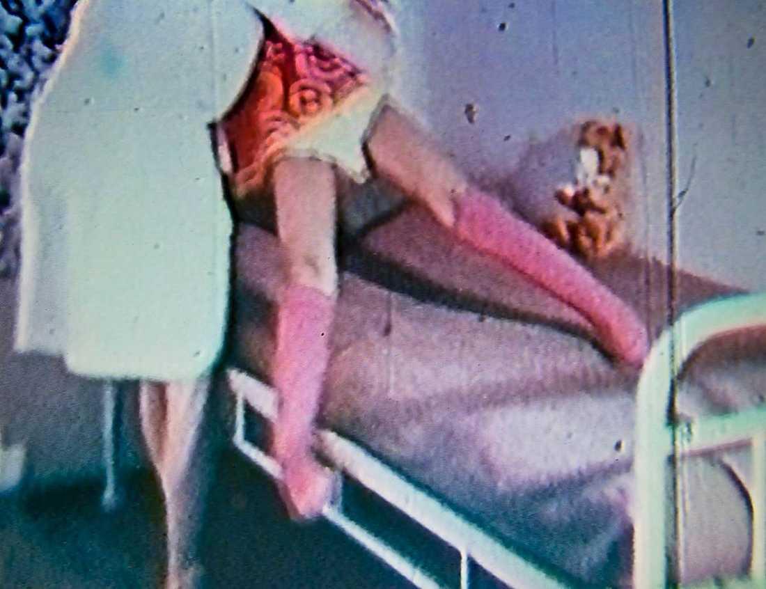 """Benen fastnade Jeanette behandlades på Kronprinsessan Lovisas barnsjukhus i Stockholm. Dit kom hon efter att benen fastnat i kramp. I """"samlagsställning"""", som hon säger."""