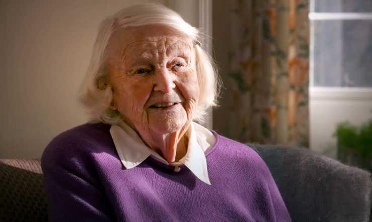 Hervor Niklasson, 92, berättar om misshandeln i programmet Efterlyst.