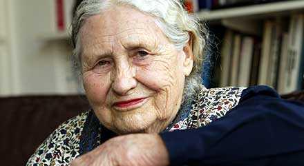 Doris Lessing heter årets nobelpristagare i litteratur.