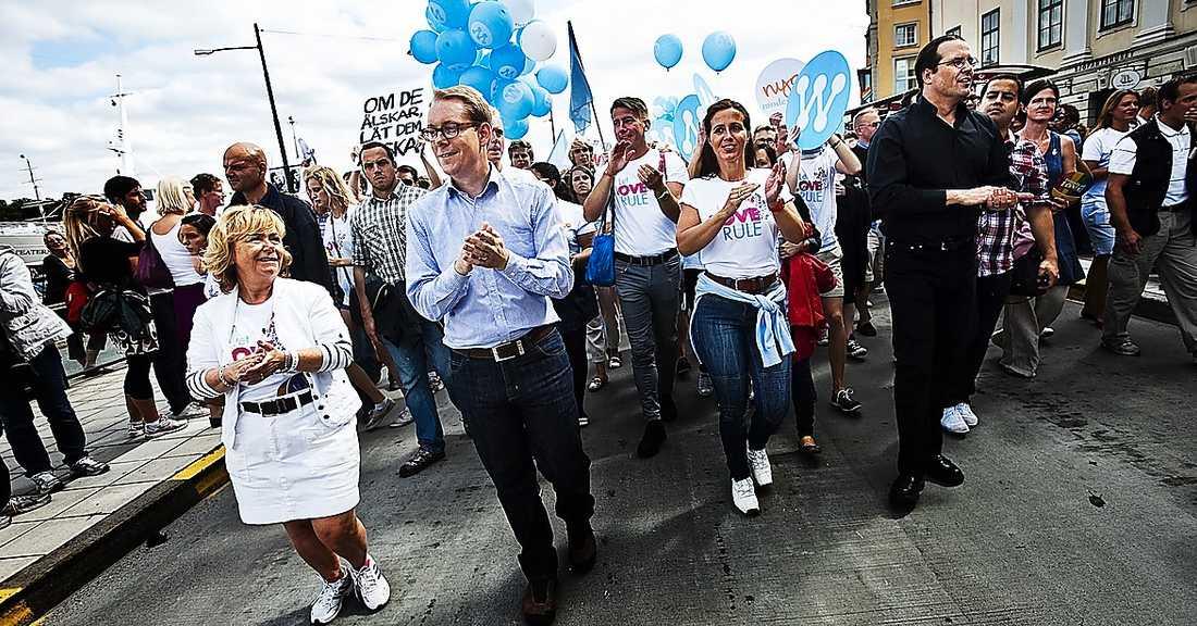 Moderaterna ska skriva ett nytt idéprogram, vilket väckt en debatt inom partiet om normer och värderingar. Förra året gick bland annat Beatrice Ask, Tobias Billström, Filippa Reinfeldt och Anders Borg i det normbrytande Pridetåget.