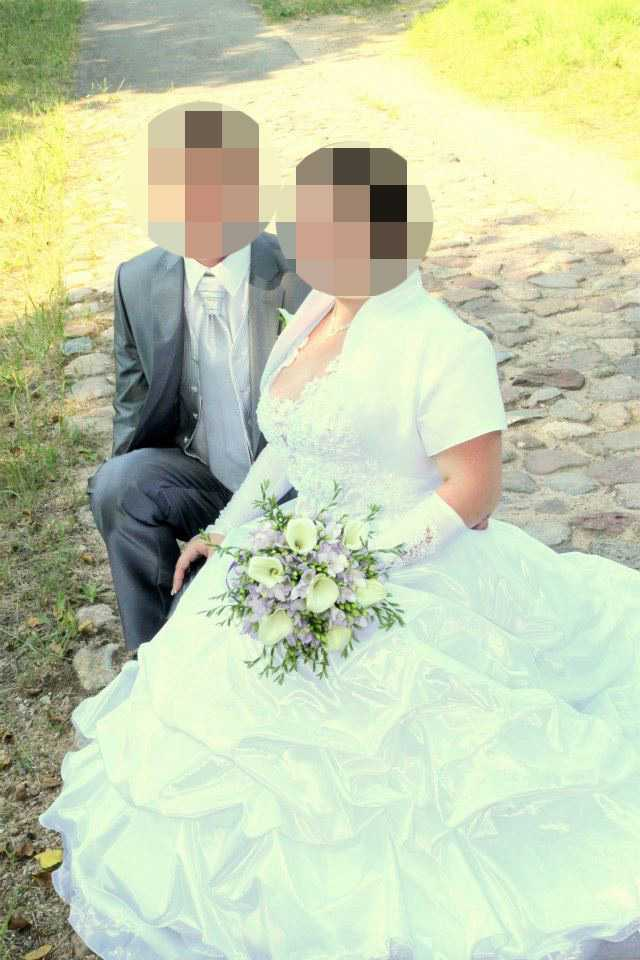 De två litauiska män som misstänks för mordet på Lisa Holm är bröder, uppger GT. En av dem är gift med kvinnan som anhölls i fredags förgrovt skyddande av brottsling. Samtliga är skäligen misstänkta för brotten – den lägre misstankegraden.