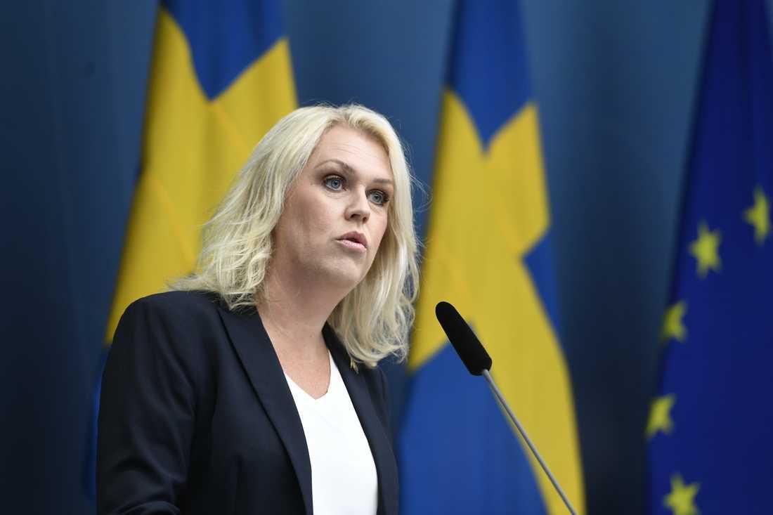 Lena Hallengren (S), socialminister, håller en pressträff om regeringens fortsatta arbete med covid-19.