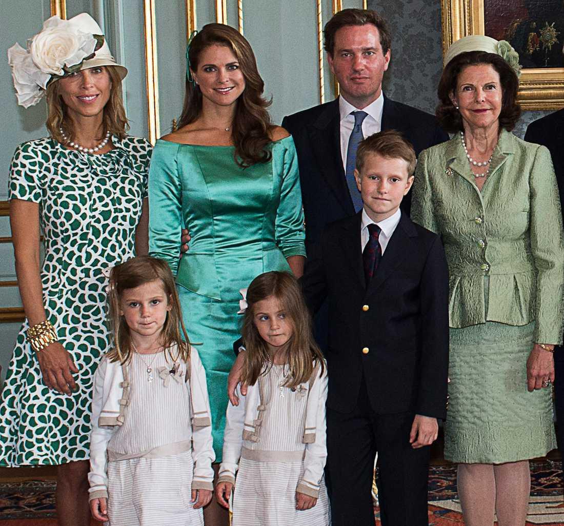 Tatjana D'Abo, prinsessan Madeleine, Chris O'Neill och drottning Silvia samt Patrick och Maline Sommeralths barn.