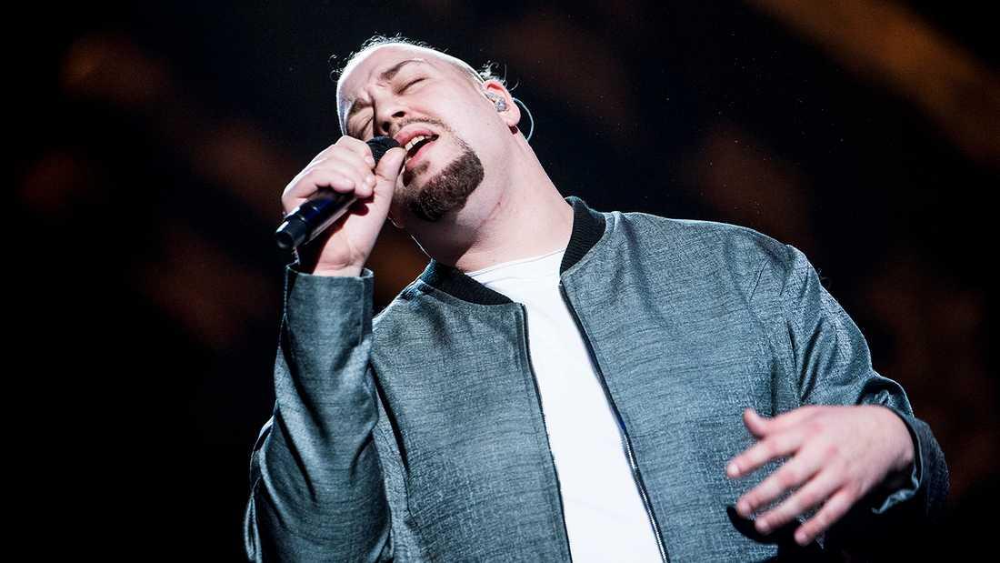 "Nano gjorde succé med ""Hold on"" i Melodifestivalen 2017."