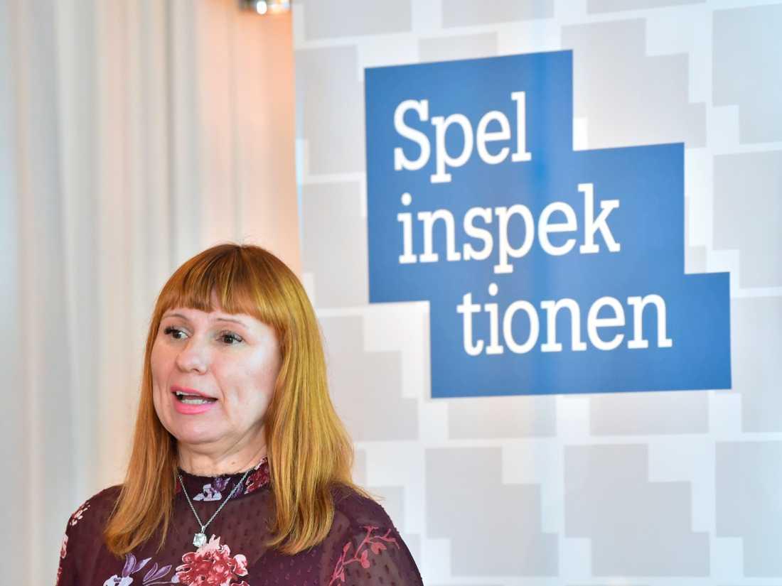 Camilla Rosenberg, Spelinspektionens generaldirektör på pressträffen där undersökningen om svenskarnas spelvanor presenteras.