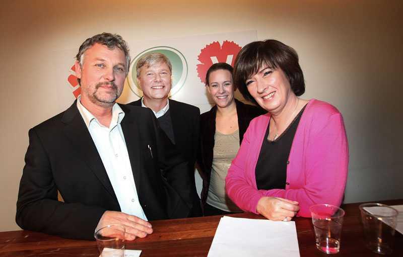 Vänster-pakten I december 2008 presenterades den nya rödgröna alliansen inför valet 2010. Fr v Peter Eriksson (mp), Mona Sahlin (s), Lars Ohly (v) och Maria Wetterstrand, politiker (mp) Sverige