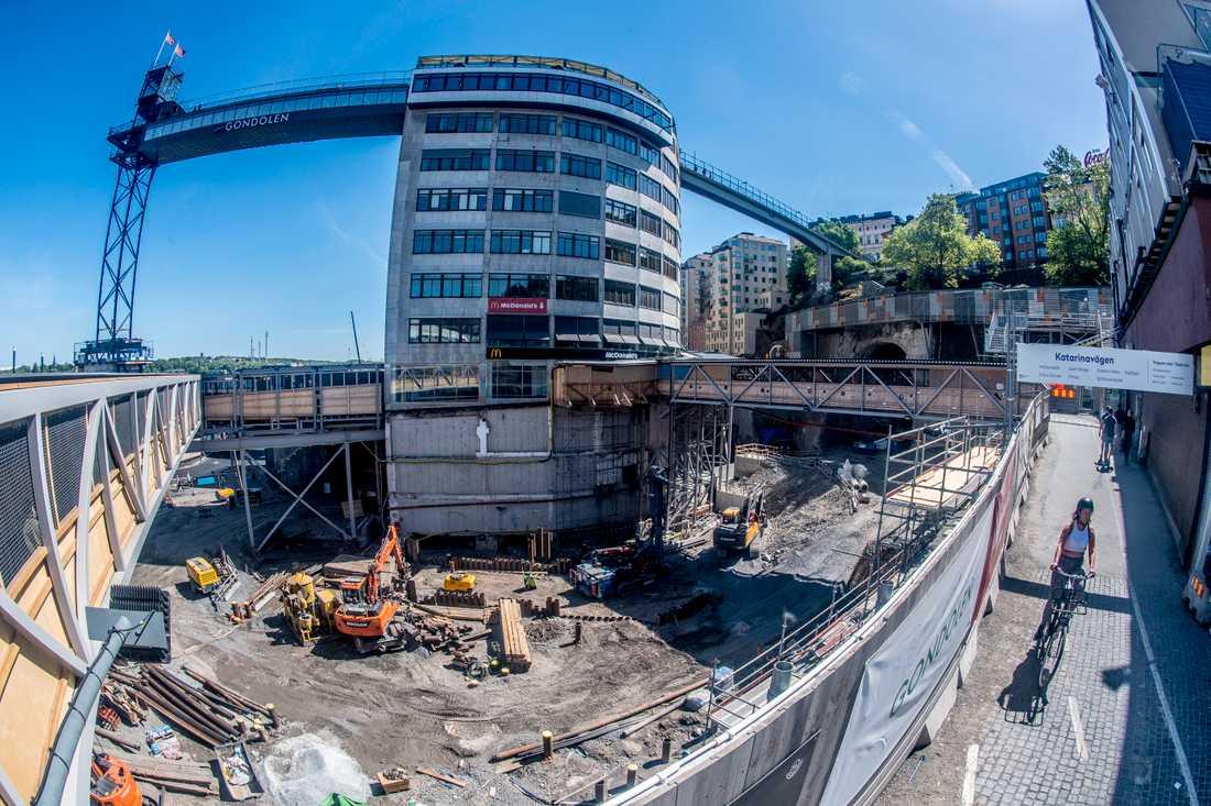 Nu stämmer ägaren Stockholms stad på miljoner.