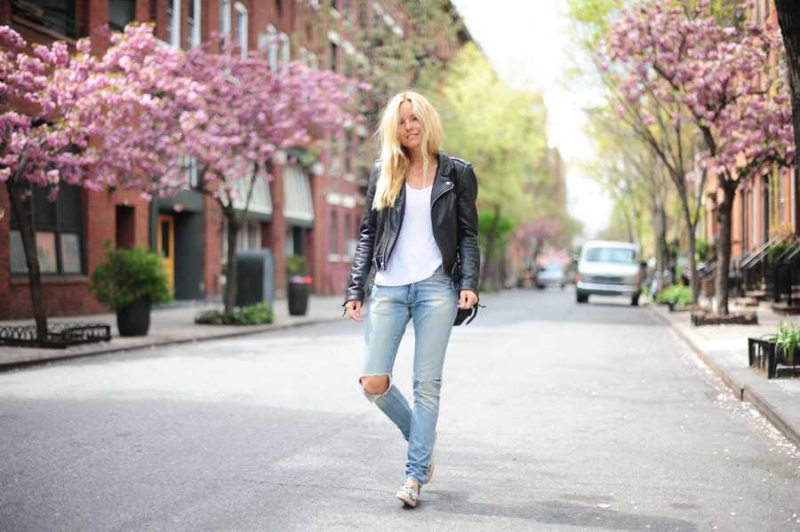 Skinnjacka - BLK DNM, T-shirt - Zara, Jeans - Acne.