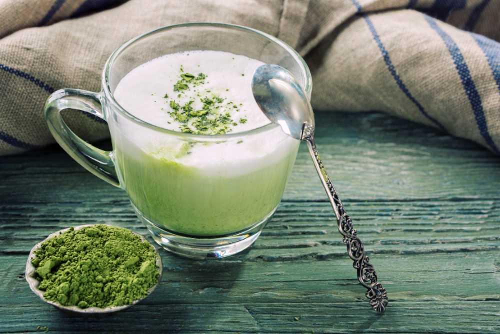 Grön, god matcha latte.