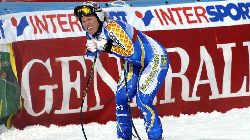 Anja Pärsson bröt störtloppet i Bansko.