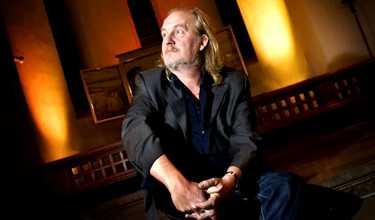 """Per """"Plura"""" Jonsson från Eldkvarn är en av många artister som upptäckt charmen med kyrkokonserter."""