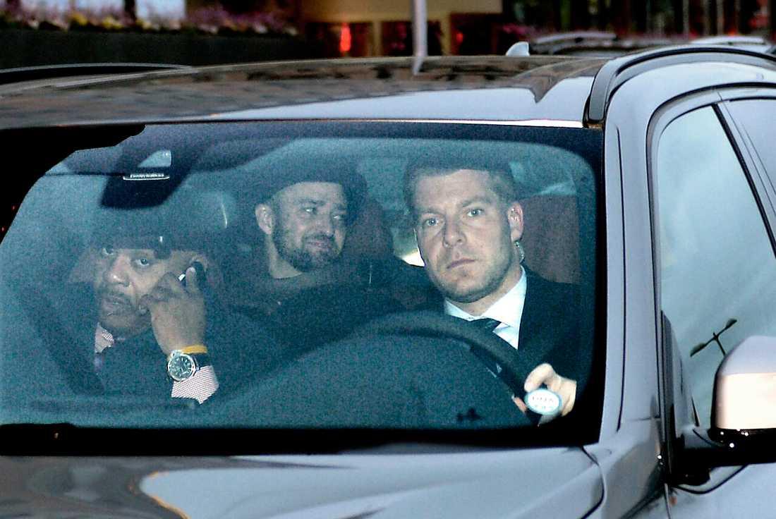 Avslappnad Timberlake på väg till Globen.