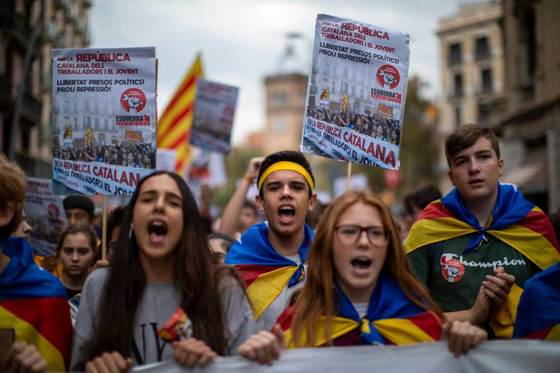 Studenter demonstrerar i Barcelona i Spanien den 31 oktober.