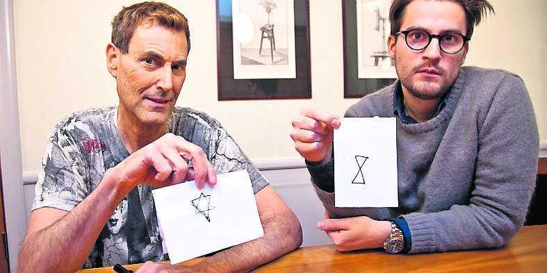 """3. De två teckningarna jämförs och Geller förklarar: """"Det är svårt. Men som du ser består båda bilderna av två trianglar. Jag såg två trianglar i mitt huvud, men jag fick inte ihop dem korrekt."""""""