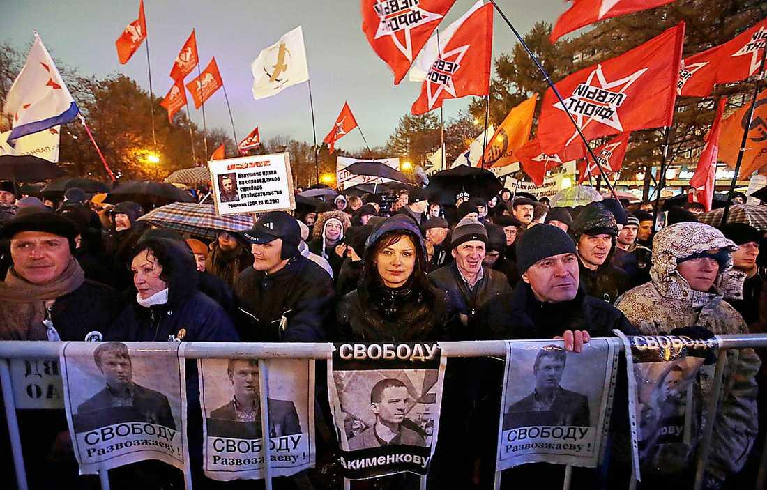 Protesterna krossades Demonstration mot att oppositionella politiker gripits i Moskva 2012. Proteströrelsen krossades av Putinregimen och vänsterns ledare fängslades eller tvingades fly till utlandet. Foto: AP