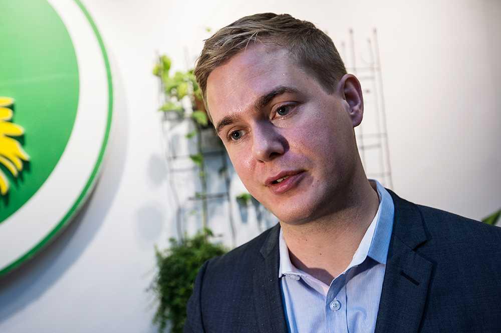 """Gustav Fridolin, 30, språkrör för Miljöpartiet, Stockholm """"Inhandla en kalender så att ni har koll på vem som ska hämta på dagis."""""""