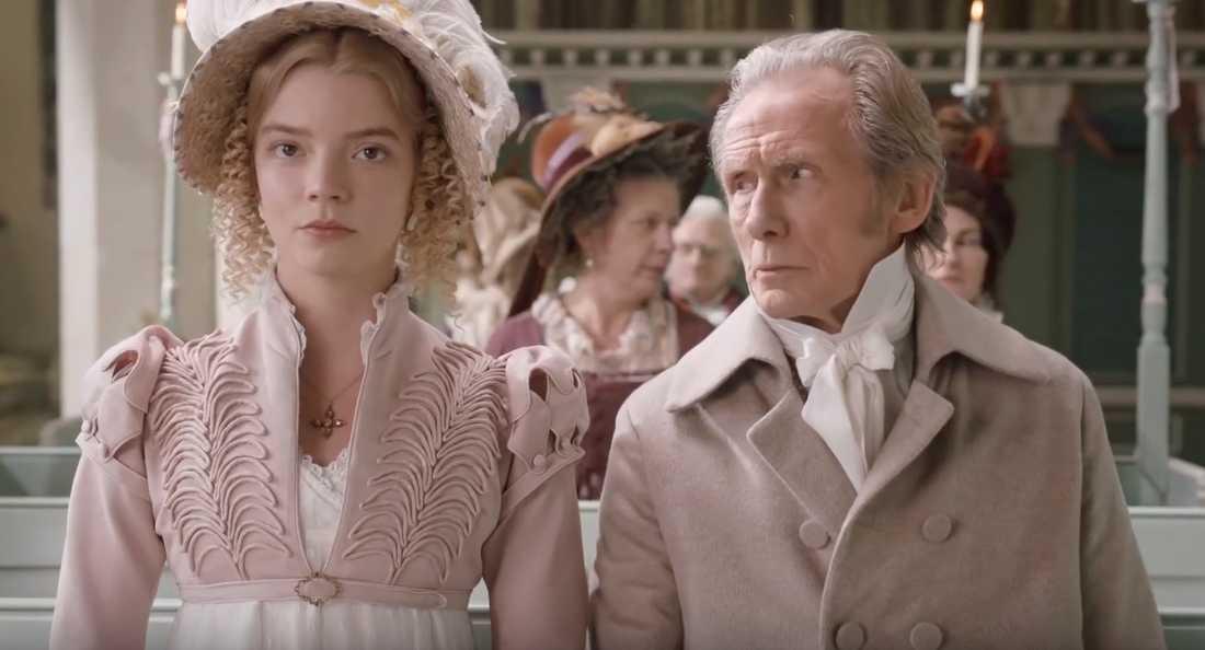 """Anya Taylor-Joy och Bill Nighy i """"Emma""""."""