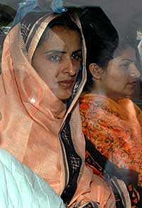 Jag hoppas att de som våldtog mig ska få sitt straff, säger Mukhtar Mai, 36. Gud förbjude att jag förlorar, då är det ett nederlag för alla som tror på rättvisa.
