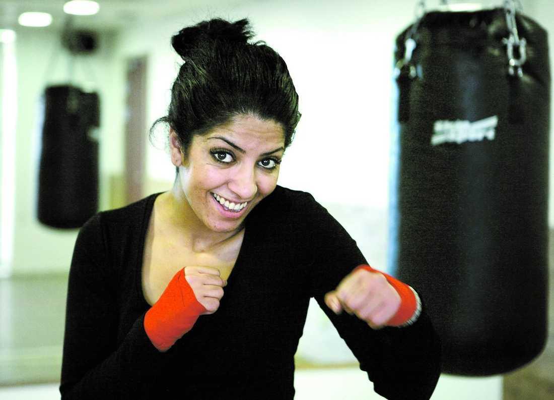 """älskar kampsport När Lama Abu-Iseifan provade kickboxning första gången för 13 år blev hon fast. """"Det var kärlek direkt."""""""