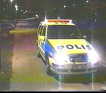 Här jagas vargen av polis i Tantolunden.
