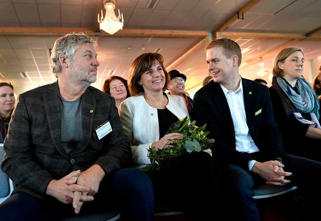 Miljöpartiets kommun- och landstingsdagar i Sundsvall. Bostads- och digitaliseringsminister Peter Eriksson med språkrören Isabella Lövin och Gustav Fridolin.
