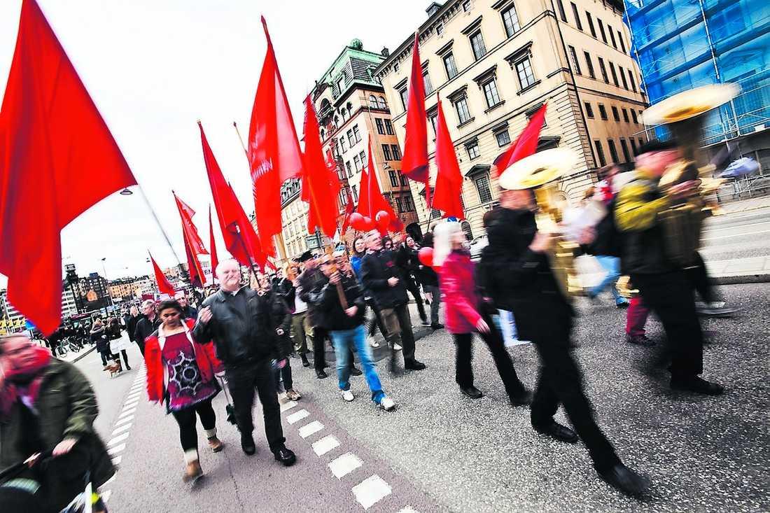 övervakade Enligt Aftonbladets källa ska USA:s spioner ha bevakat bland annat 1 maj-tåg…