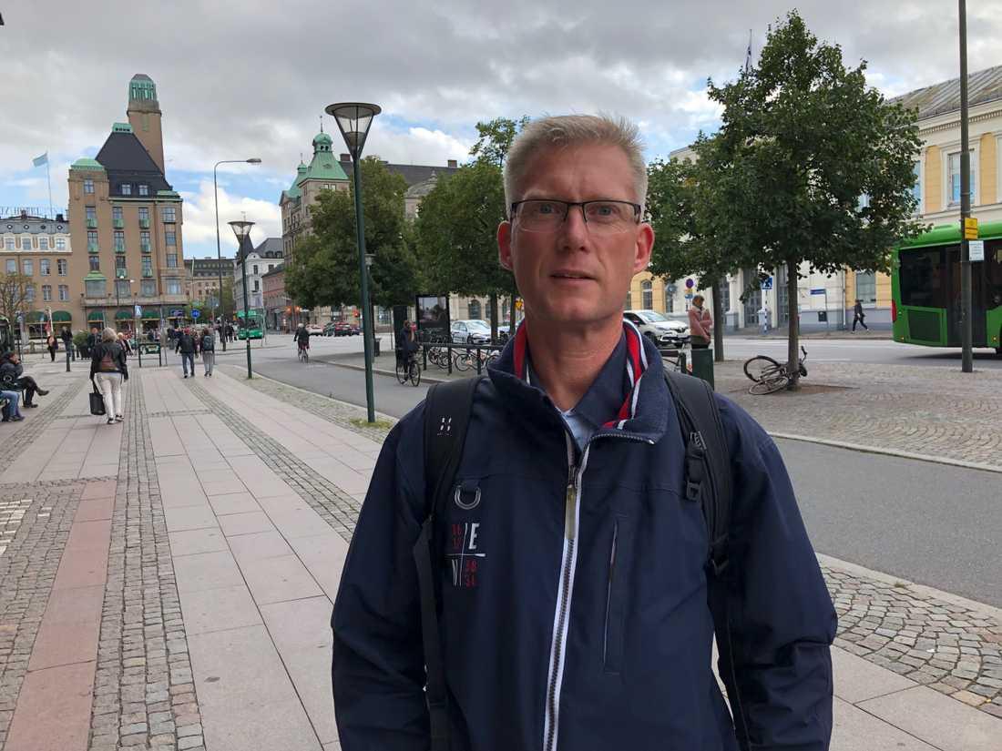 Pål Andersson anser inte att tågtrafiken fungerar i dag.