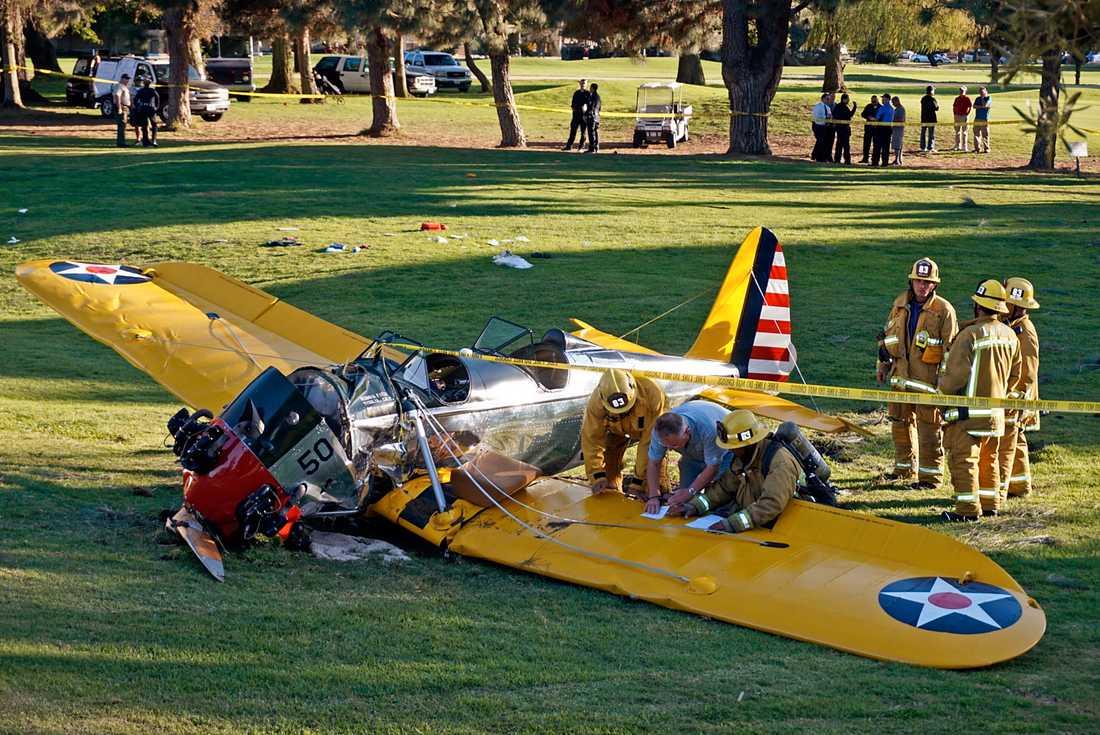 Harrison Ford kraschade sitt flygplan på en golfbana, 2015.