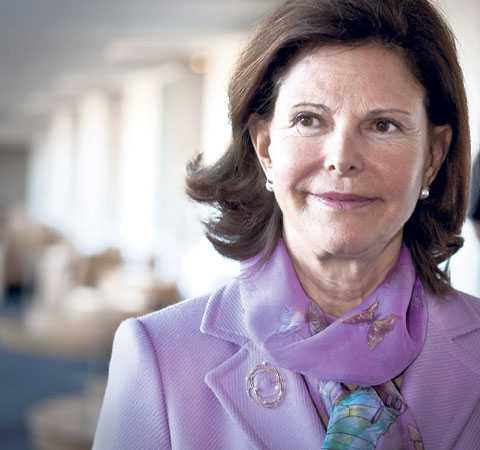 UTHÄNGD PÅ DAMTIDNINGSBLOGG En reporter på Svensk Damtidning påstod i förra veckan att drottning Silvia var svårt sjuk i alzheimer och att hennes tillstånd snabbt förvärrades. Det osanna påståendet drabbade drottningen extra hårt, då hennes mamma Alice Sommerlath drabbades av senil demens när hon var runt 85 år.
