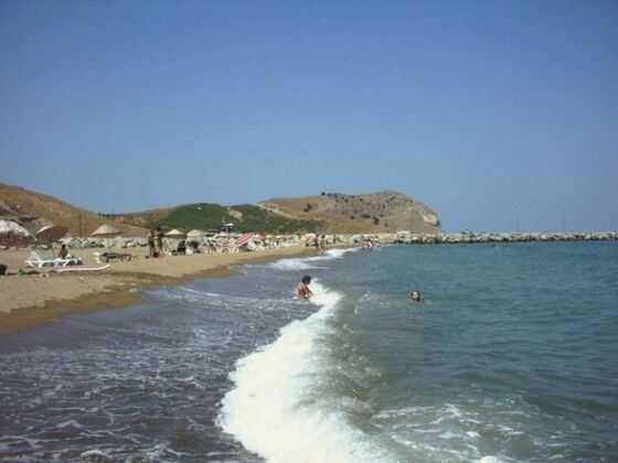 Gökçeada är Turkiets största ö och har cirka 9000 invånare.