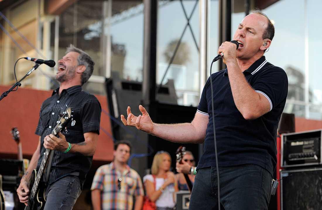 Jay Bentley och Greg Graffin i Bad Religion under en spelning på the Sunset Strip Music Festival i West Hollywood, USA, i höstas.