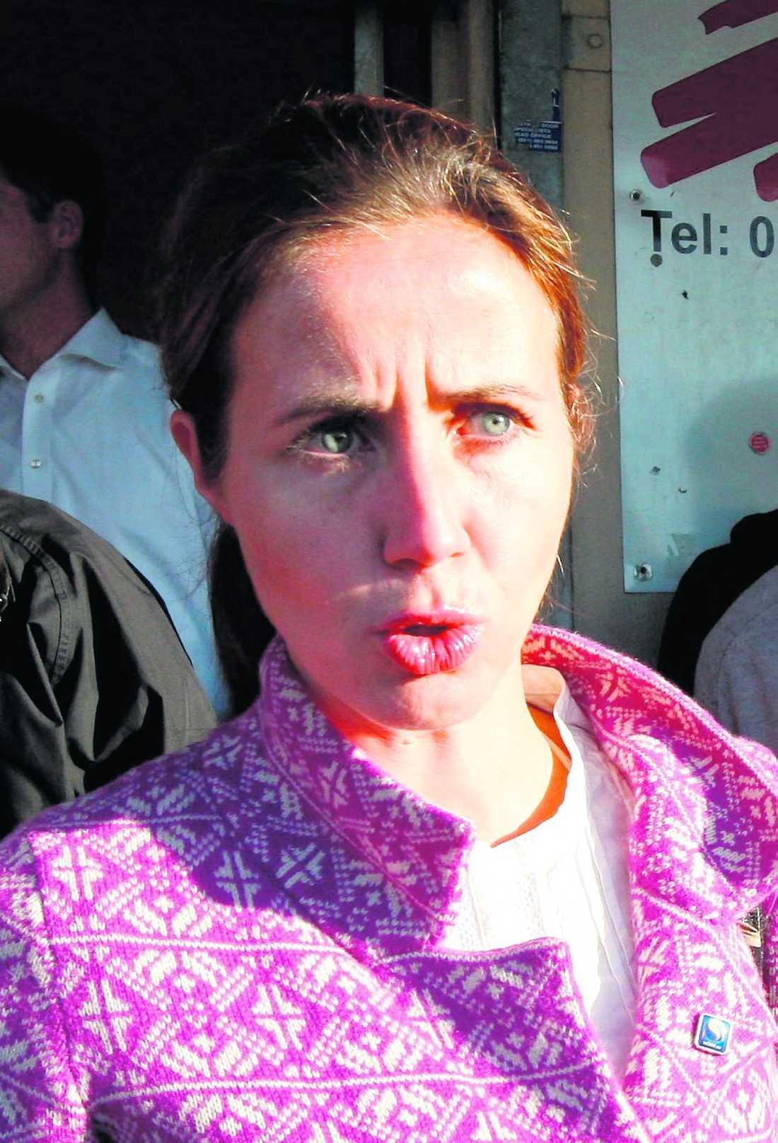 """närmaste förtrogna """"Filippa är en mycket aktiv lokal moderat politiker som sitter i Stockholms landsting och ansvarar för hälsofrågor. Hon är hans närmaste förtrogna"""", står det i ett av de läckta dokumenten."""